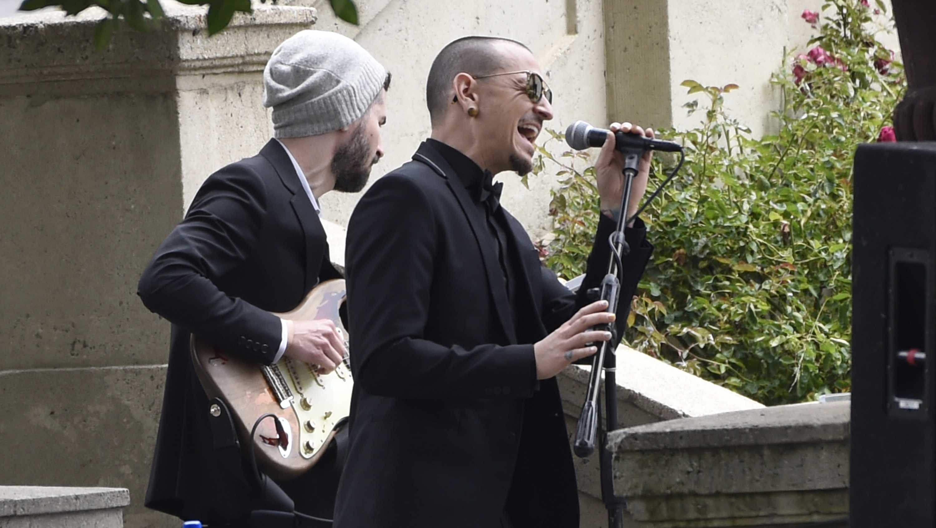 "Chester Bennington, of Linkin Park, performs ""Hallelujah"" at a funeral for Chris Cornell at the Hollywood Forever Cemetery on Friday, May 26, 2017, in Los Angeles."