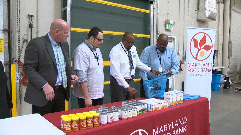 Maryland Food Bank gets donation from Food Lion Feeds