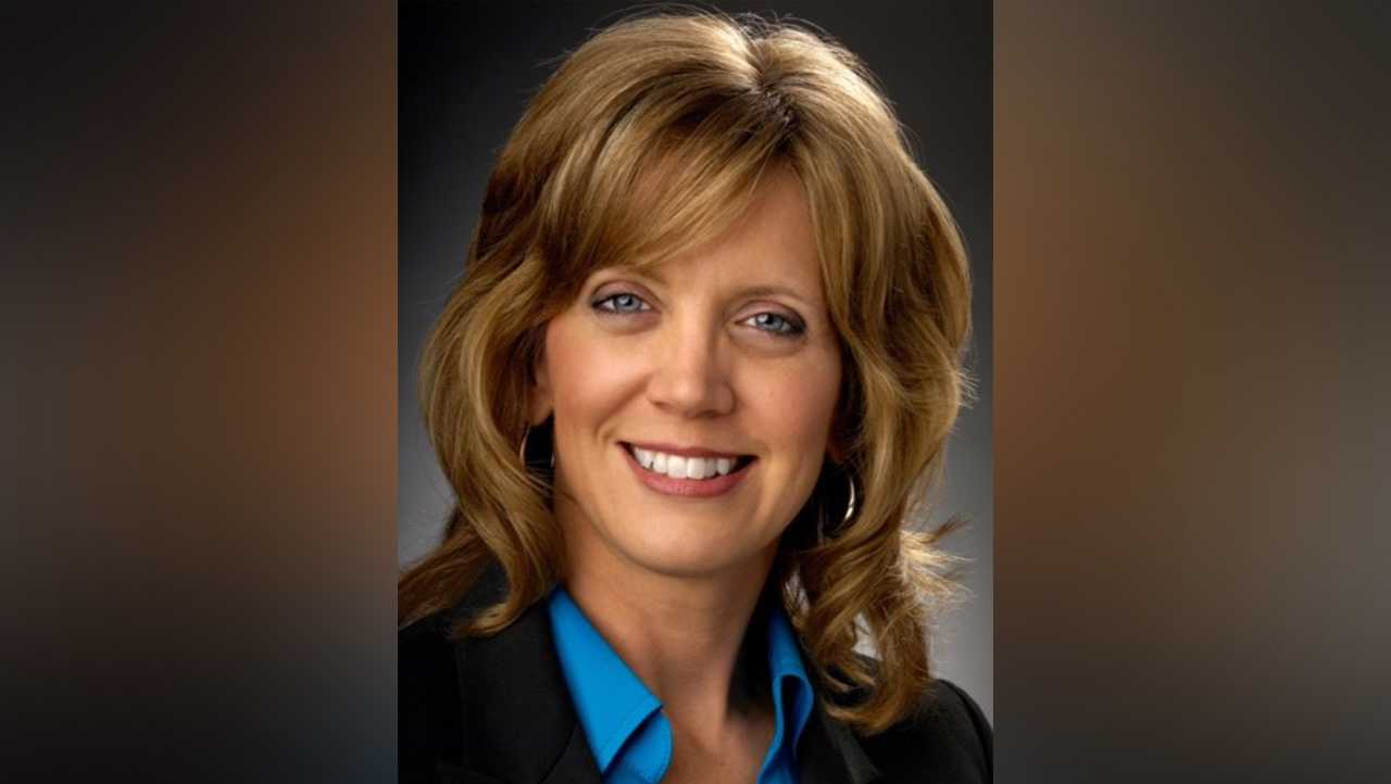 Cindy DeLuca WGAL General Sales Manager