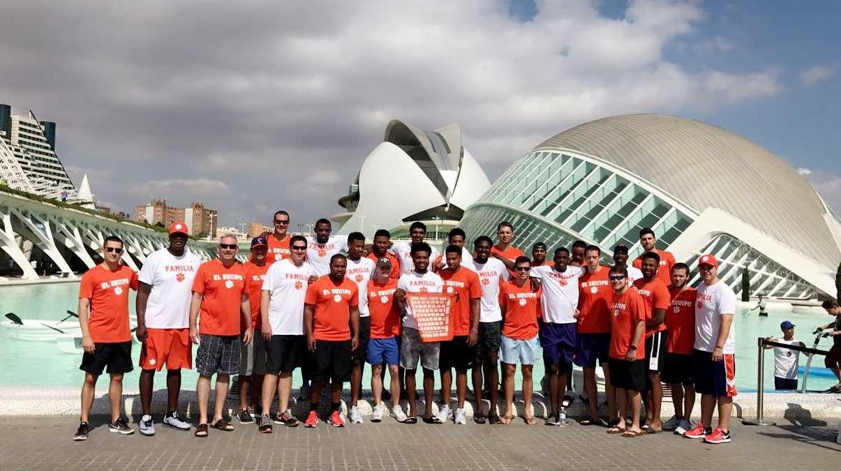 Clemson Basketball team in Spain