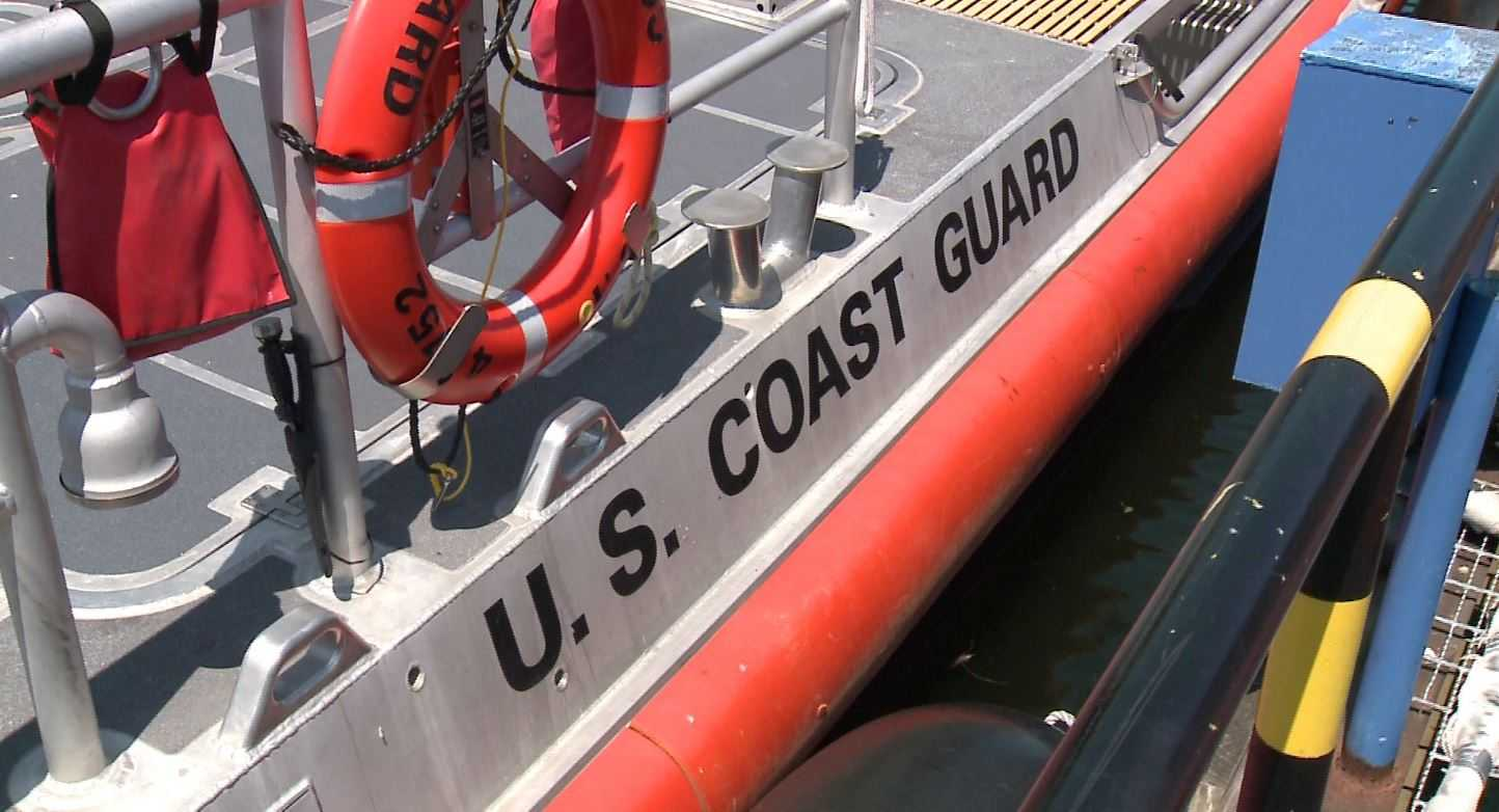 Coast Guard rescues 4 during annual boat race
