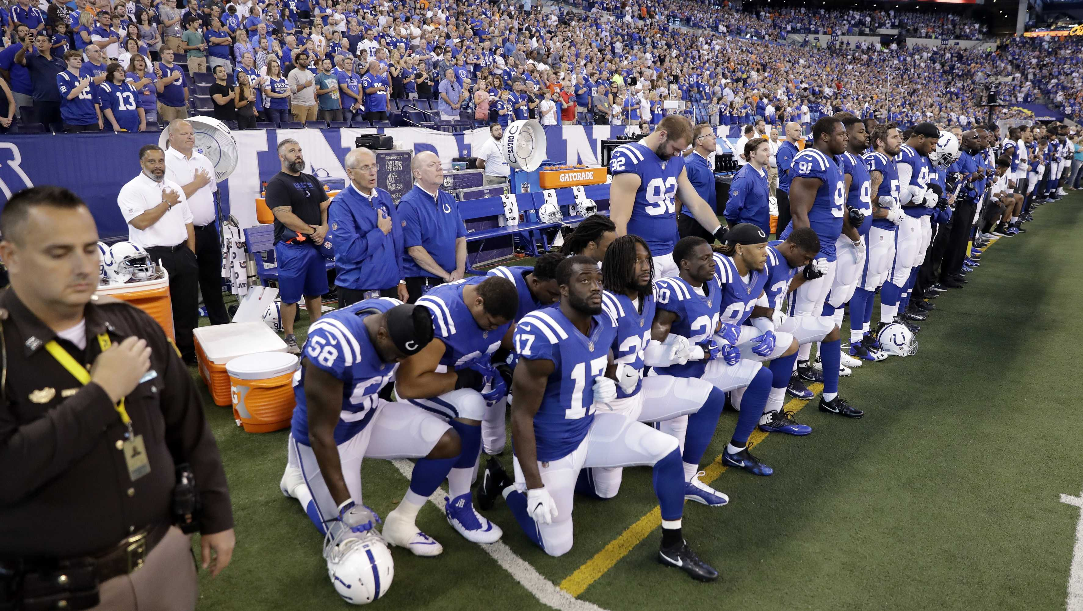 Photos Nfl Players Kneel To Protest Trump S Remarks