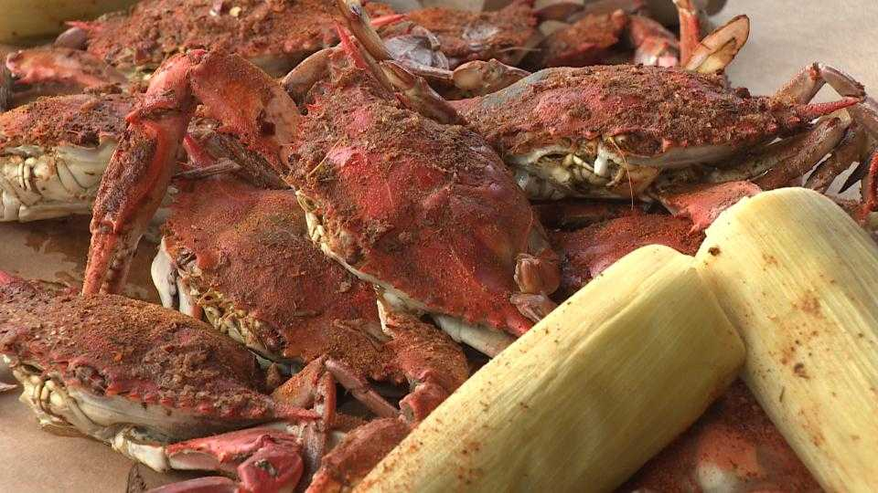 Virtual tour shows where to get maryland seafood for Nick s fish house baltimore md