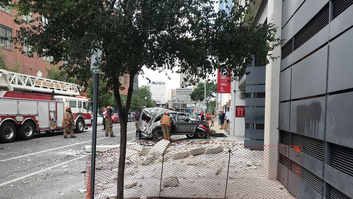 Area of downtown New Orleans shut down after car crashes off parking deck