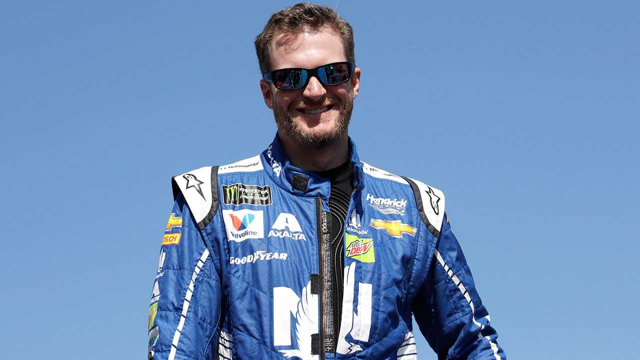 Dale Earnhardt Jr. is introduced prior to the NASCAR Cup Series 300 auto race at New Hampshire Motor Speedway in Loudon, N.H., Sunday, Sept. 24, 2017.