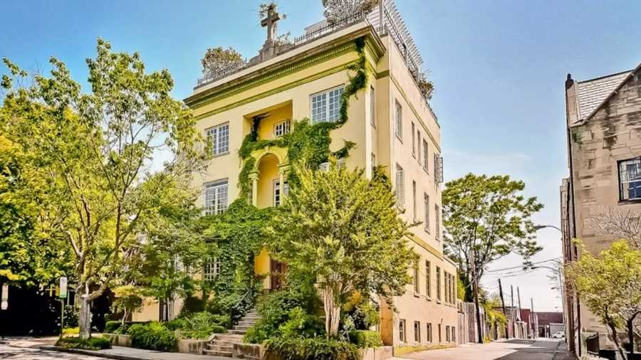Historic Mansion in Washington, D.C. SOURCE: Cliff/Airbnb