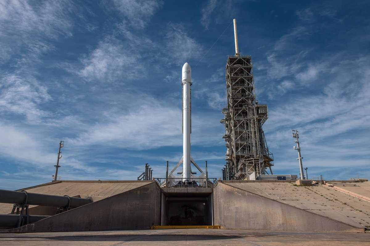 SpaceX Falcon 9 Returns To Los Angeles