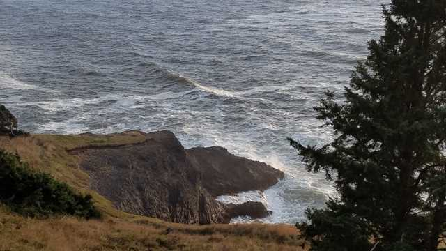 Imageshows the site near Depoe Bay where Miaochan Chen and Wenjun Zhu were swept into the ocean