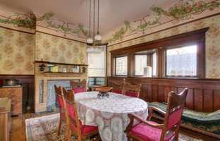 Sacramento Victorian mansion dining room