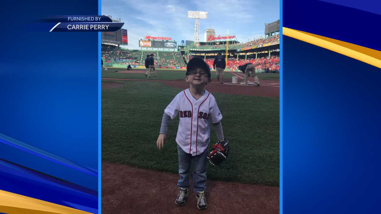 Elliot Perry throws out first pitch at Red Sox game