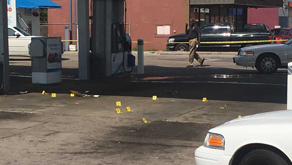 1 dead, 1 injured in gas station shootout
