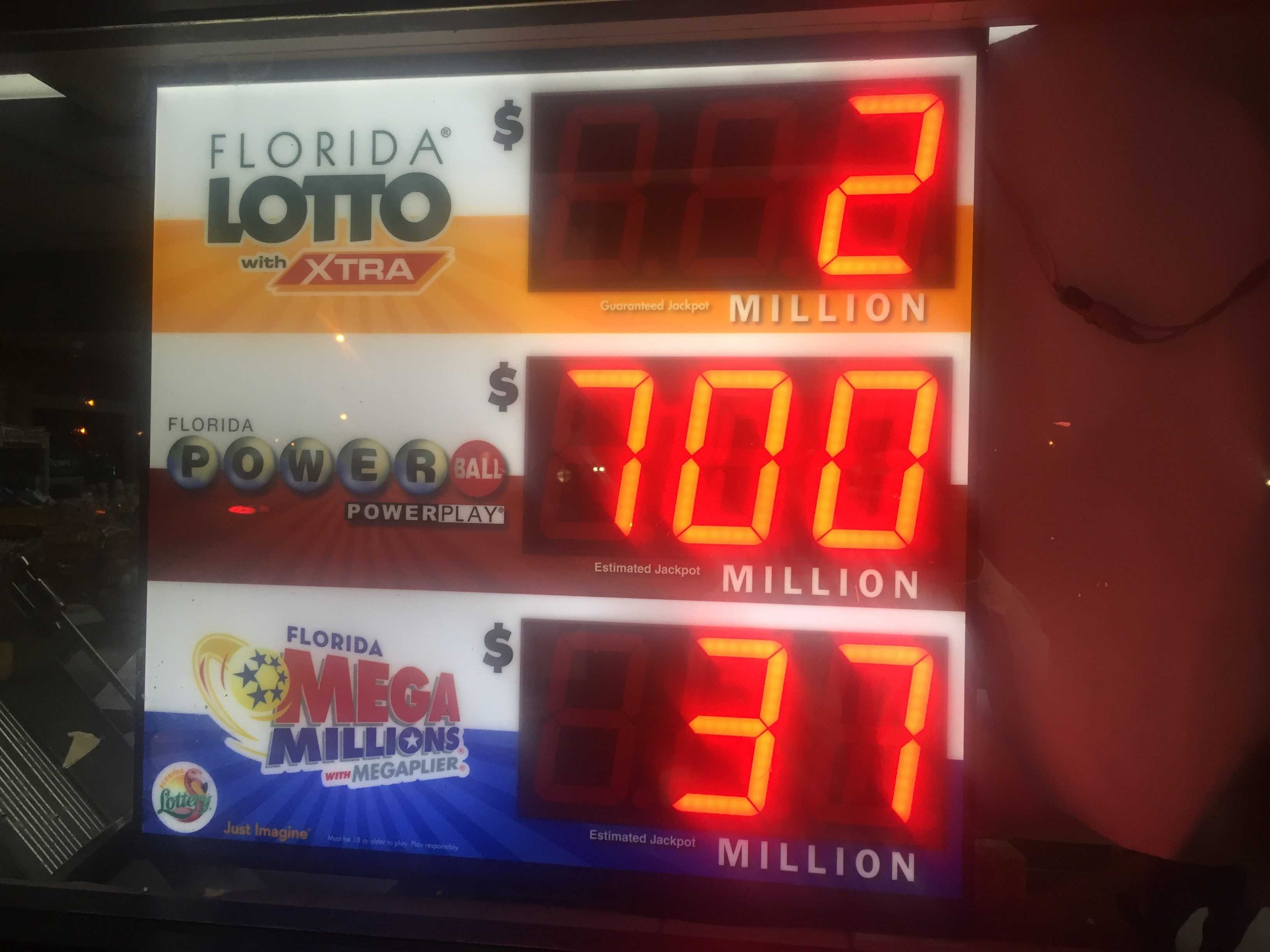 American woman quits her job straight after winning $1 billion Powerball prize