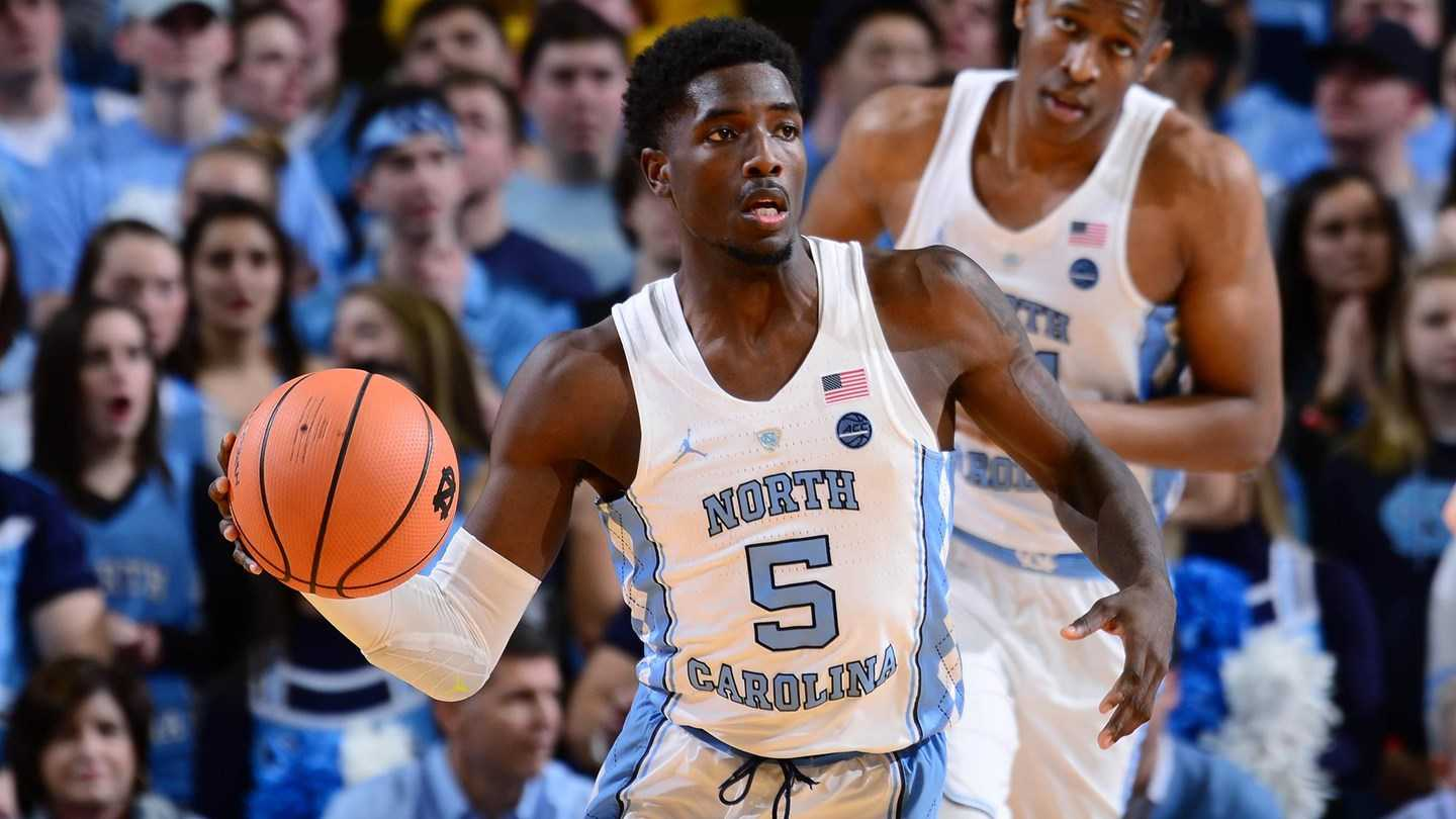 Theo Pinson leaves UNC-Clemson game after falling on shoulder, hip