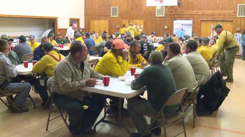 Pinnacle Mountain fire crews