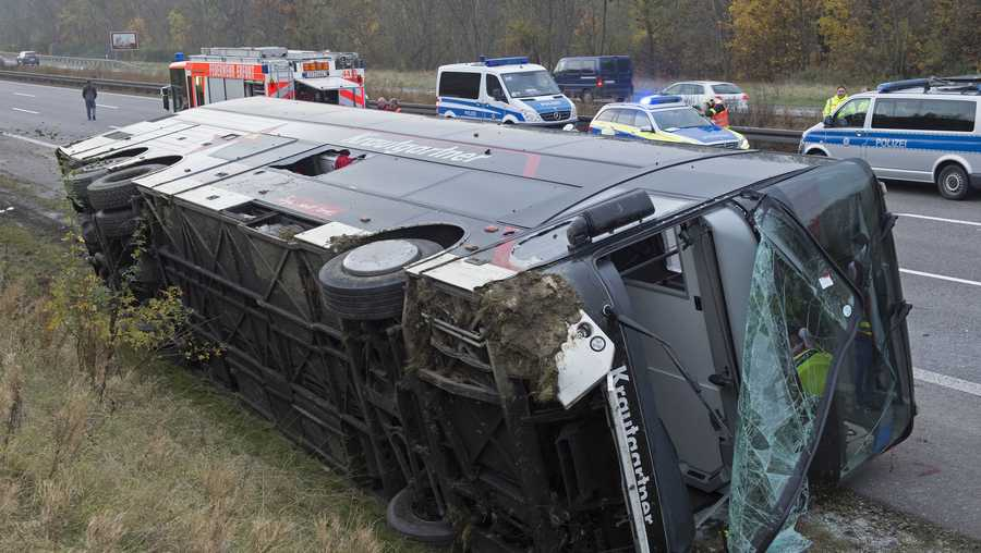 18 killed in german bus crash. Black Bedroom Furniture Sets. Home Design Ideas