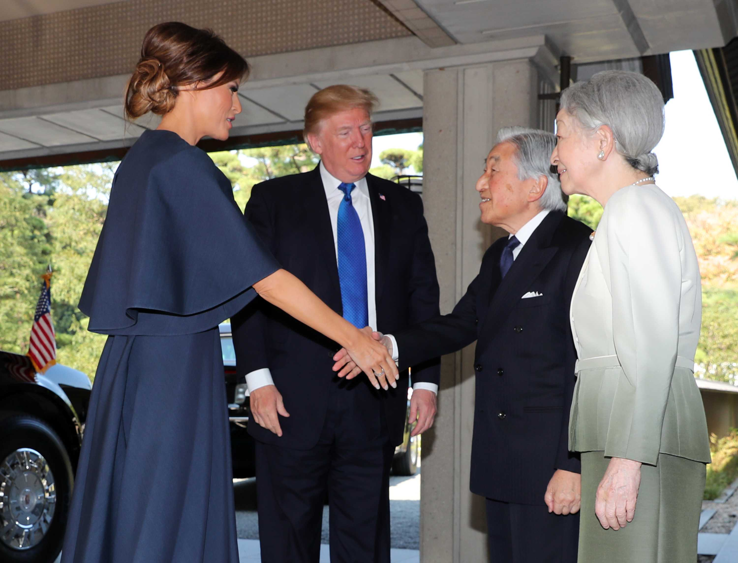 Japanese Emperor Akihito to Abdicate in April 2019