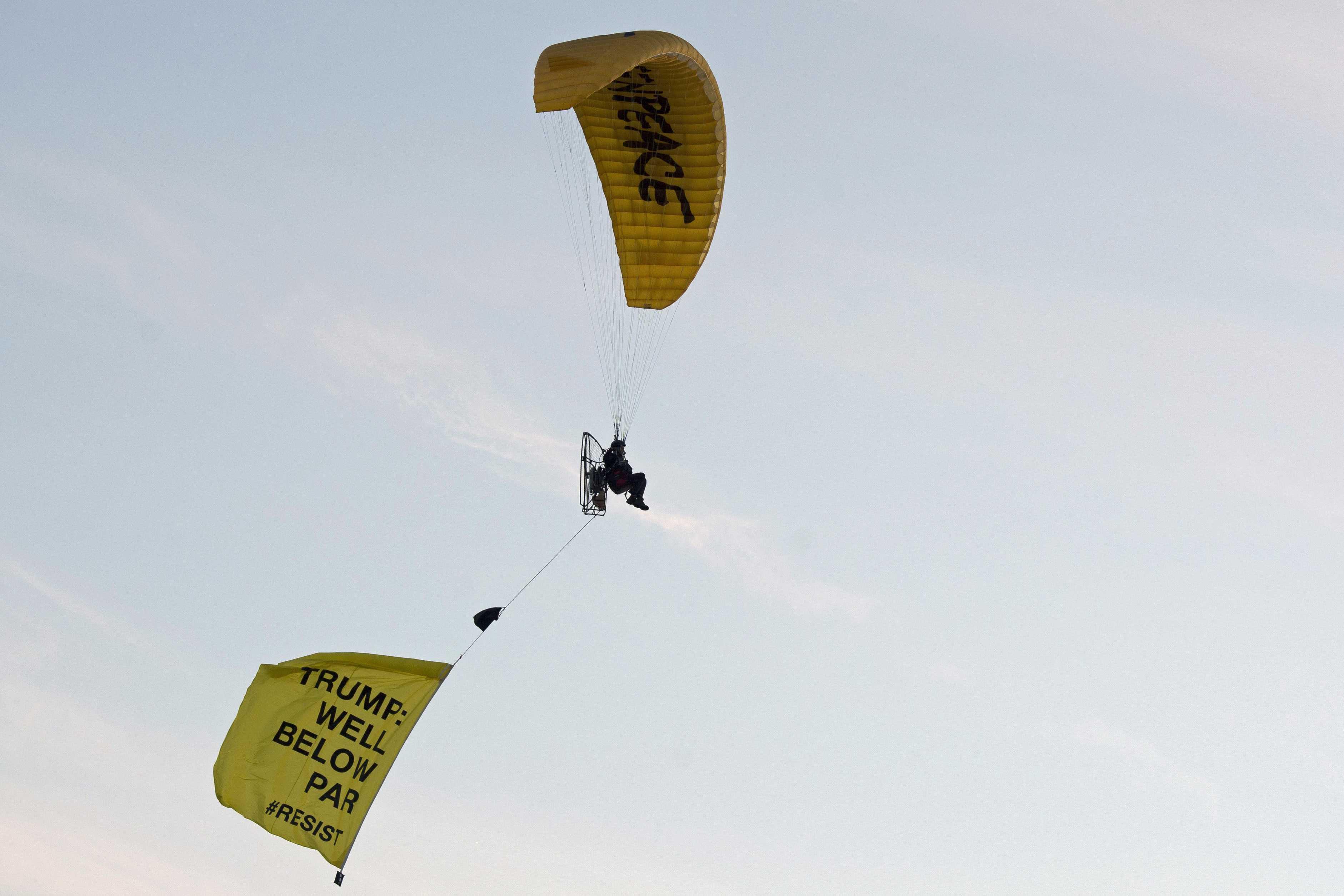 Paragliding Trump protester arrested