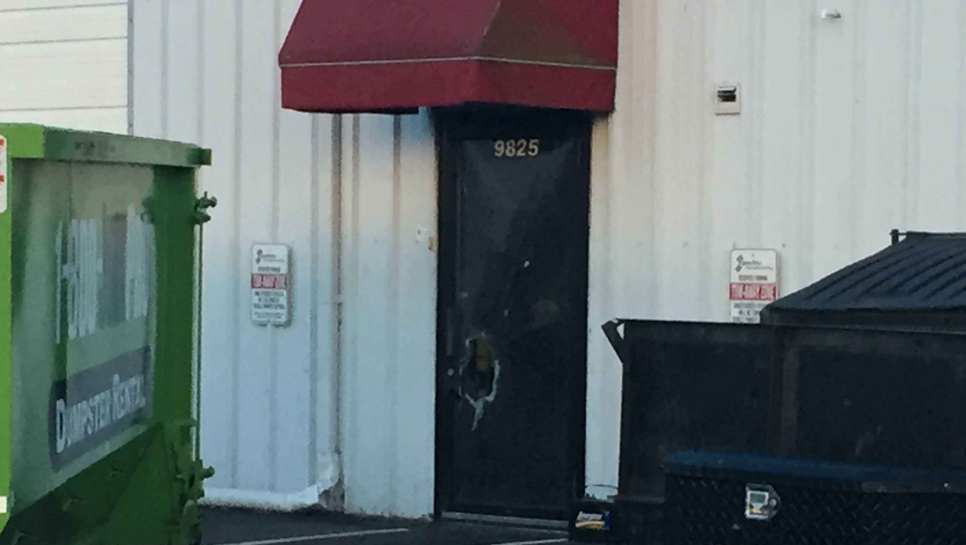 Merriam gun store break-in, Signature Manufacturing