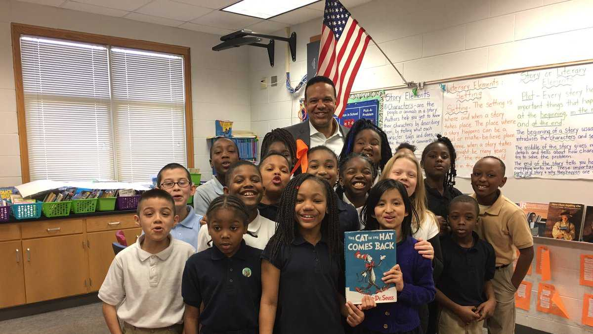WVTM 13 takes part in Read Across America Day