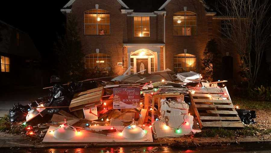 houston homeowners use hurricane harvey debris as christmas decorations - Christmas Decorations Houston