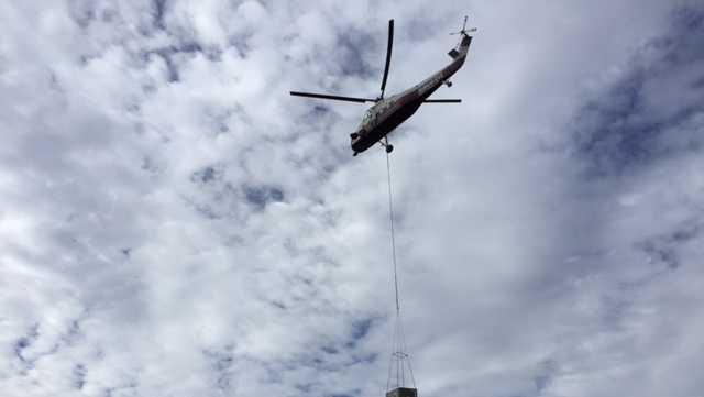 Helicopter crane