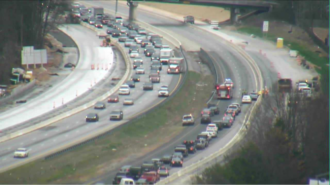 I-385 crash blocks lanes