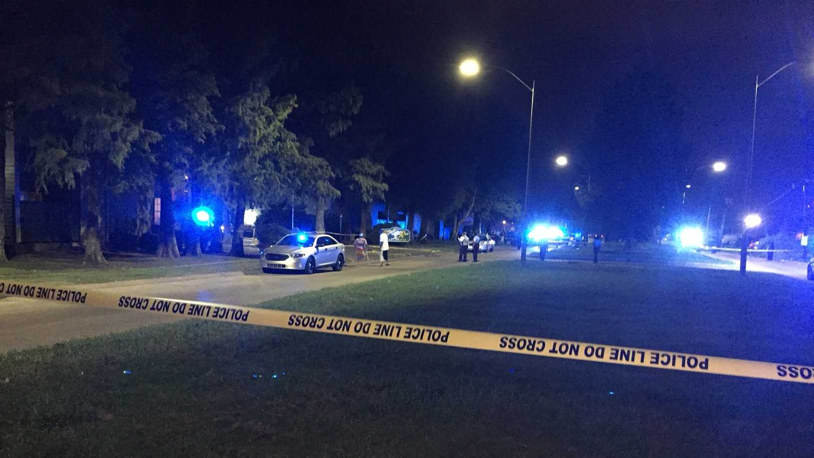 New Orleans police investigate a shooting in Algiers on Thursday night.