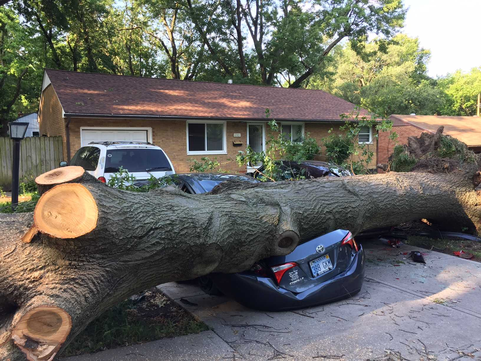 Storms knock out power to several homes in Missouri and IL