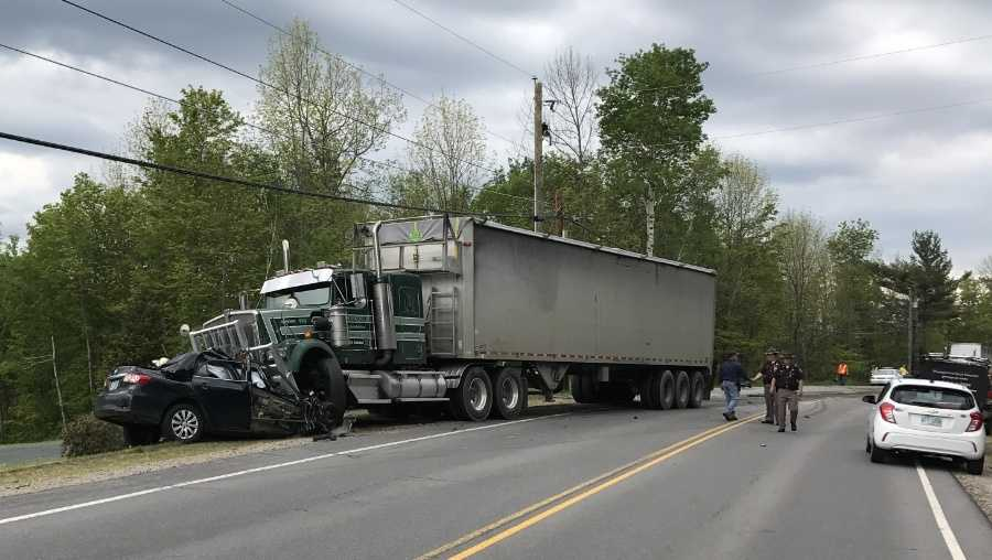 WMUR- tractor-trailer crash