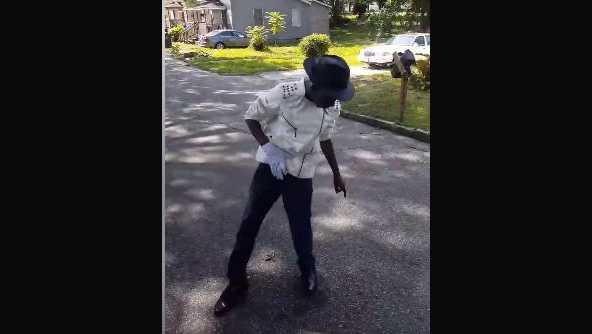 Javon's Michael Jackson moves