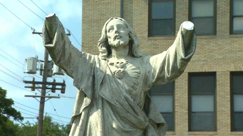Jesus statue with hands broken off