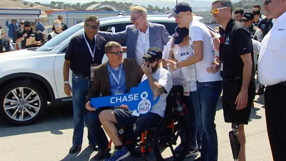 Veteran receives key to new home