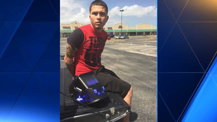 Auto thief arrested after stopping to look at eclipse
