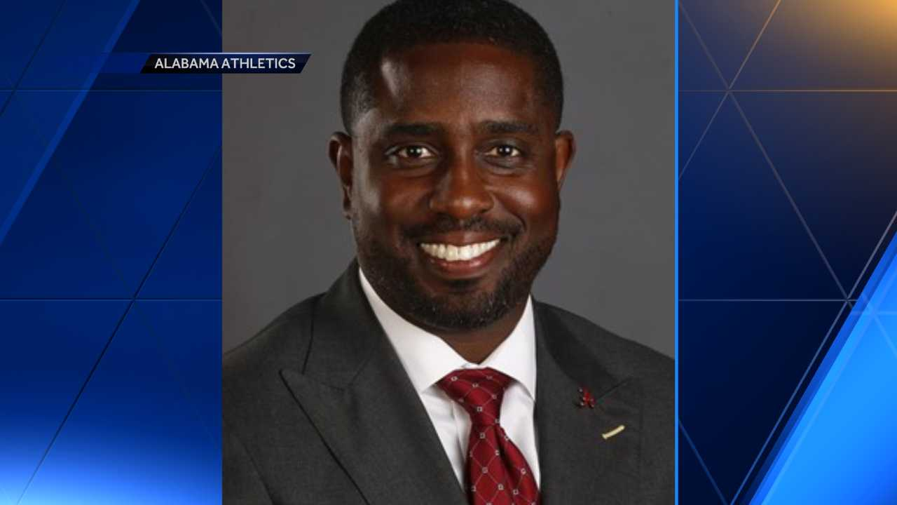 Alabama accepts resignation of men's basketball administrator amid Federal Bureau of Investigation probe