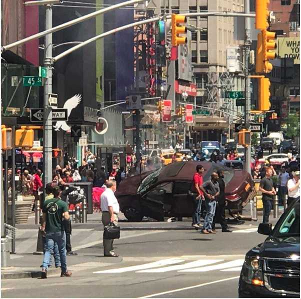 Calls for more sidewalk barriers after Times Square crash