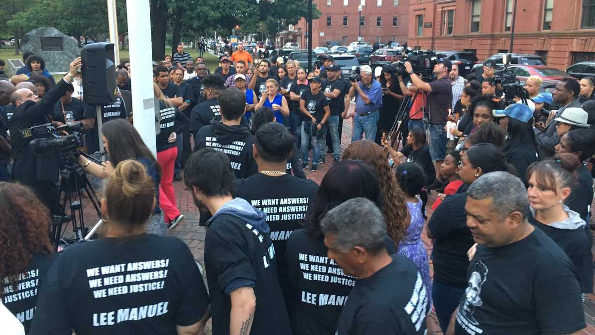 Hundreds gather to remember Lee Manuel Paulino