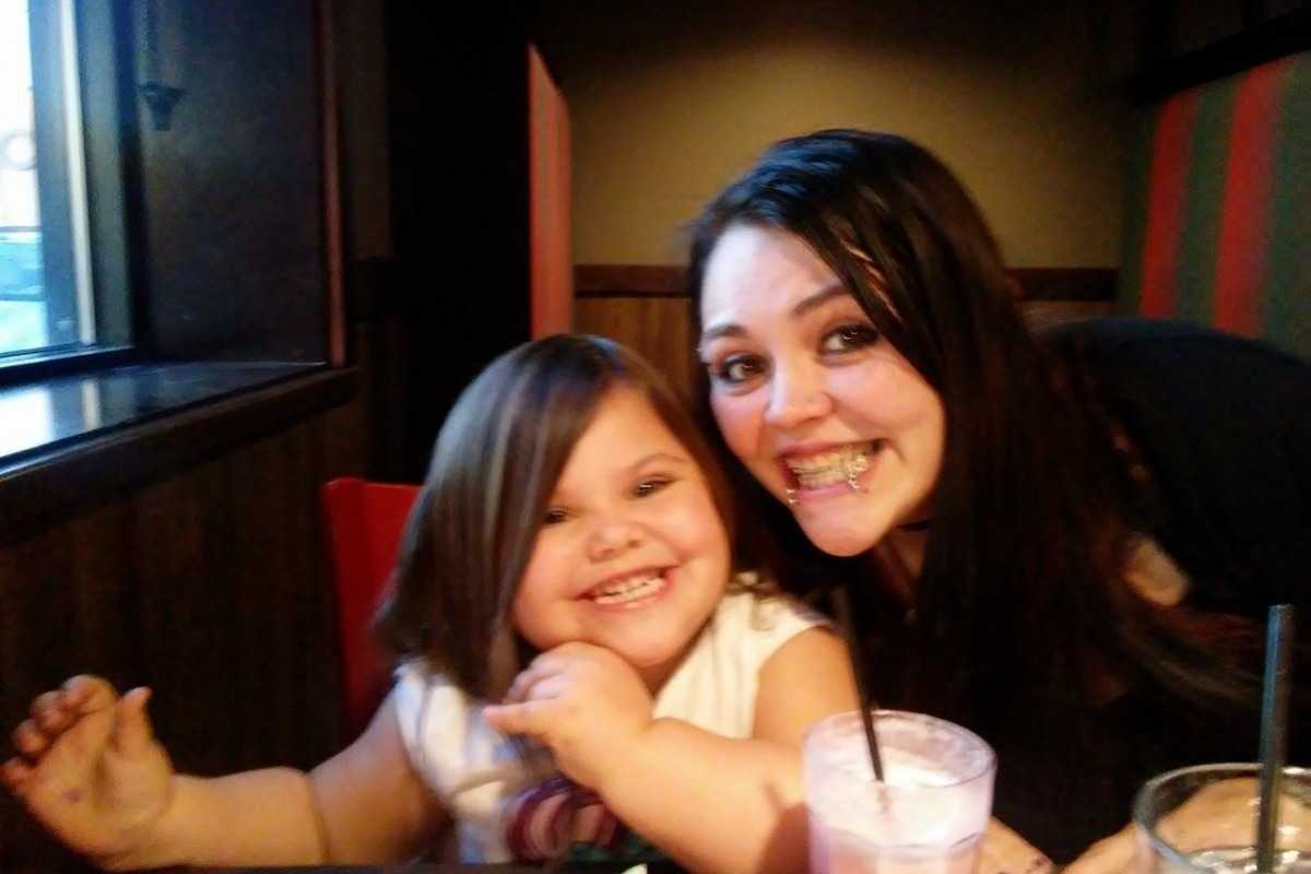 4-year-old girl finds family dead, uses slain grandfather's phone to call for help