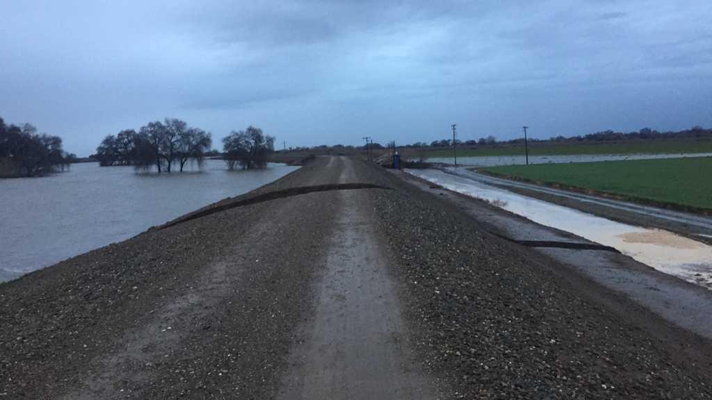 sacramento levees potential flood threat essay