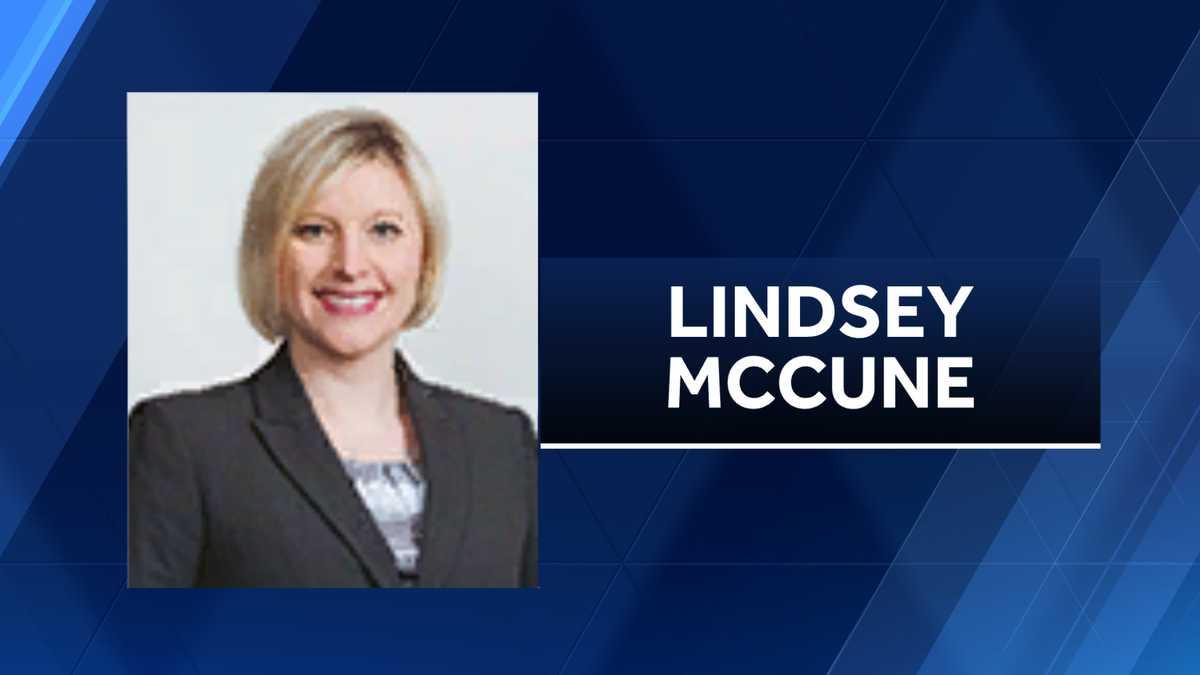 Woman seen kissing disgraced Senate leader resigns from job