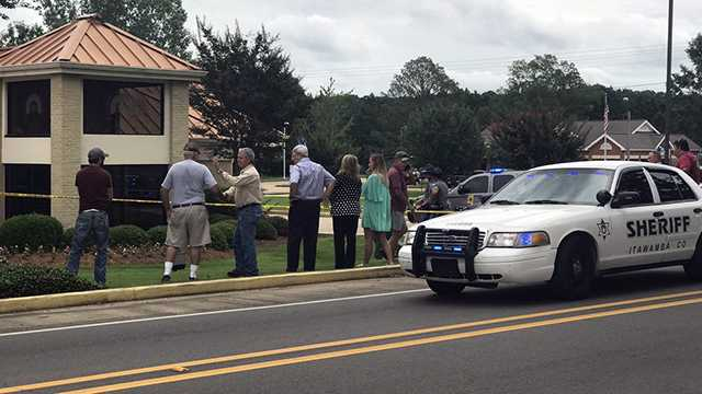 Mantachie bank teller killed, suspect also dead, sheriff says