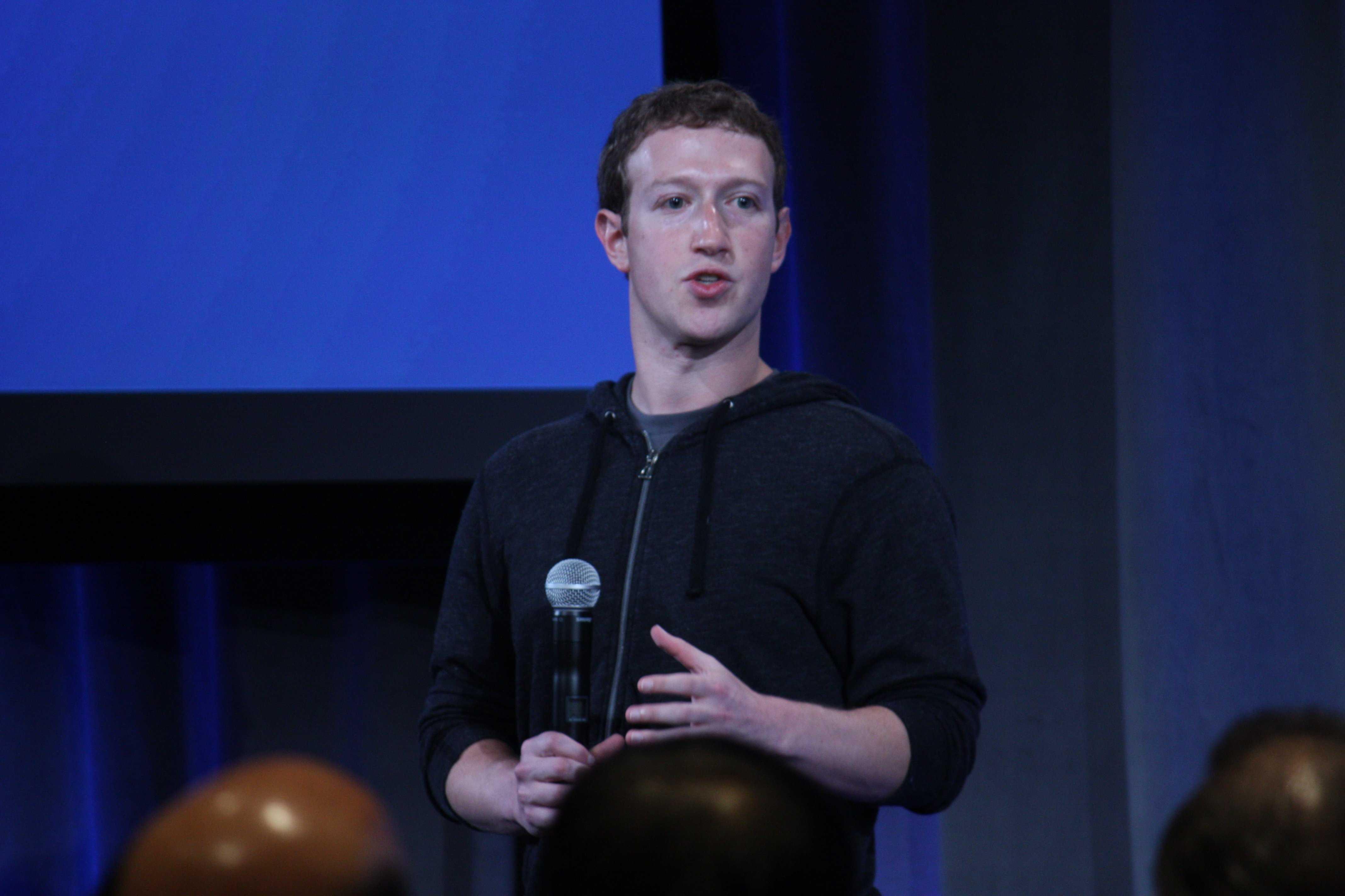 Democratic senators to Mark Zuckerberg: Testify before Congress