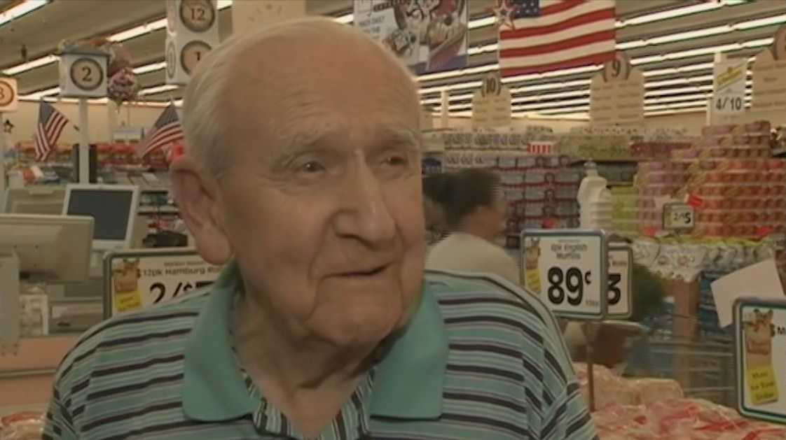 Market Basket's oldest employee dies at 96