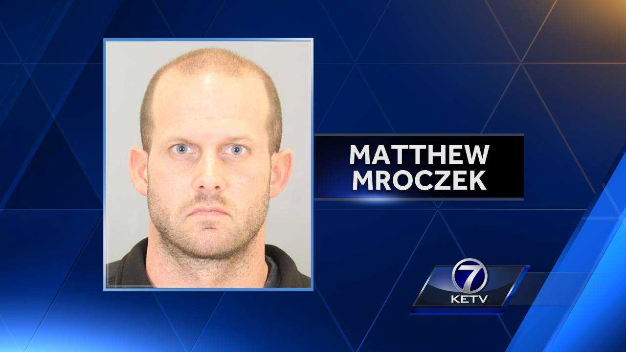 Man arrested after attempting to $20 000 in