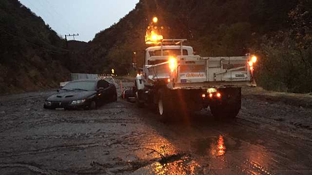 California mudslides: Search 'for a miracle' enters 3rd day