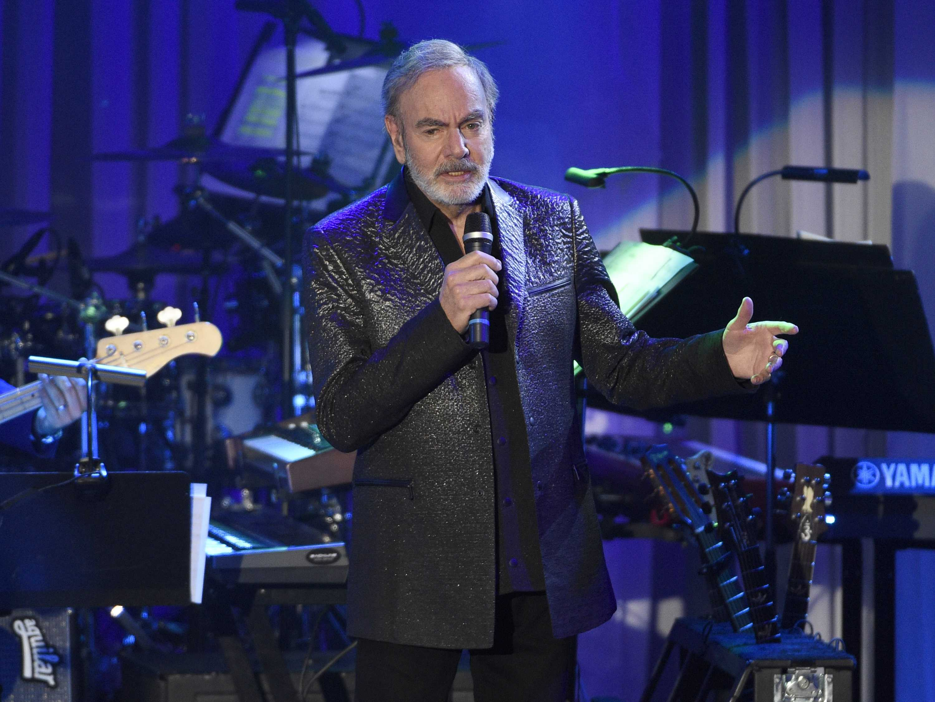 Neil Diamond announces retirement from touring: