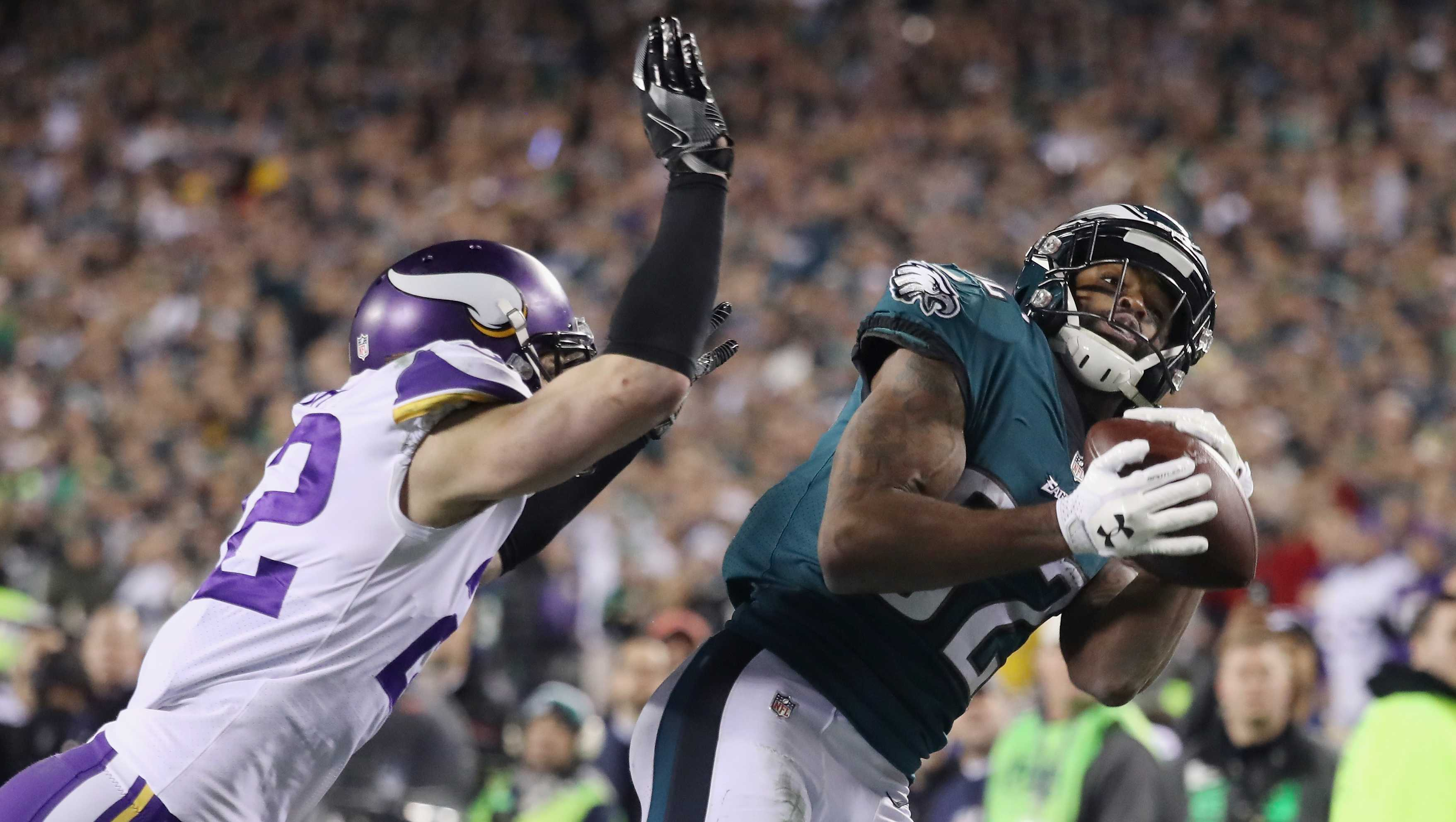 Foles Eagles Fly Into Super Bowl Rout Vikings 38 7