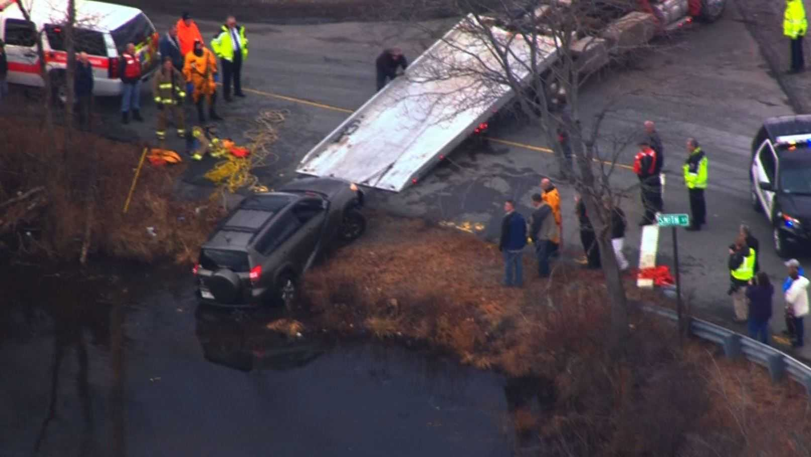 Car pulled from Norton Reservoir