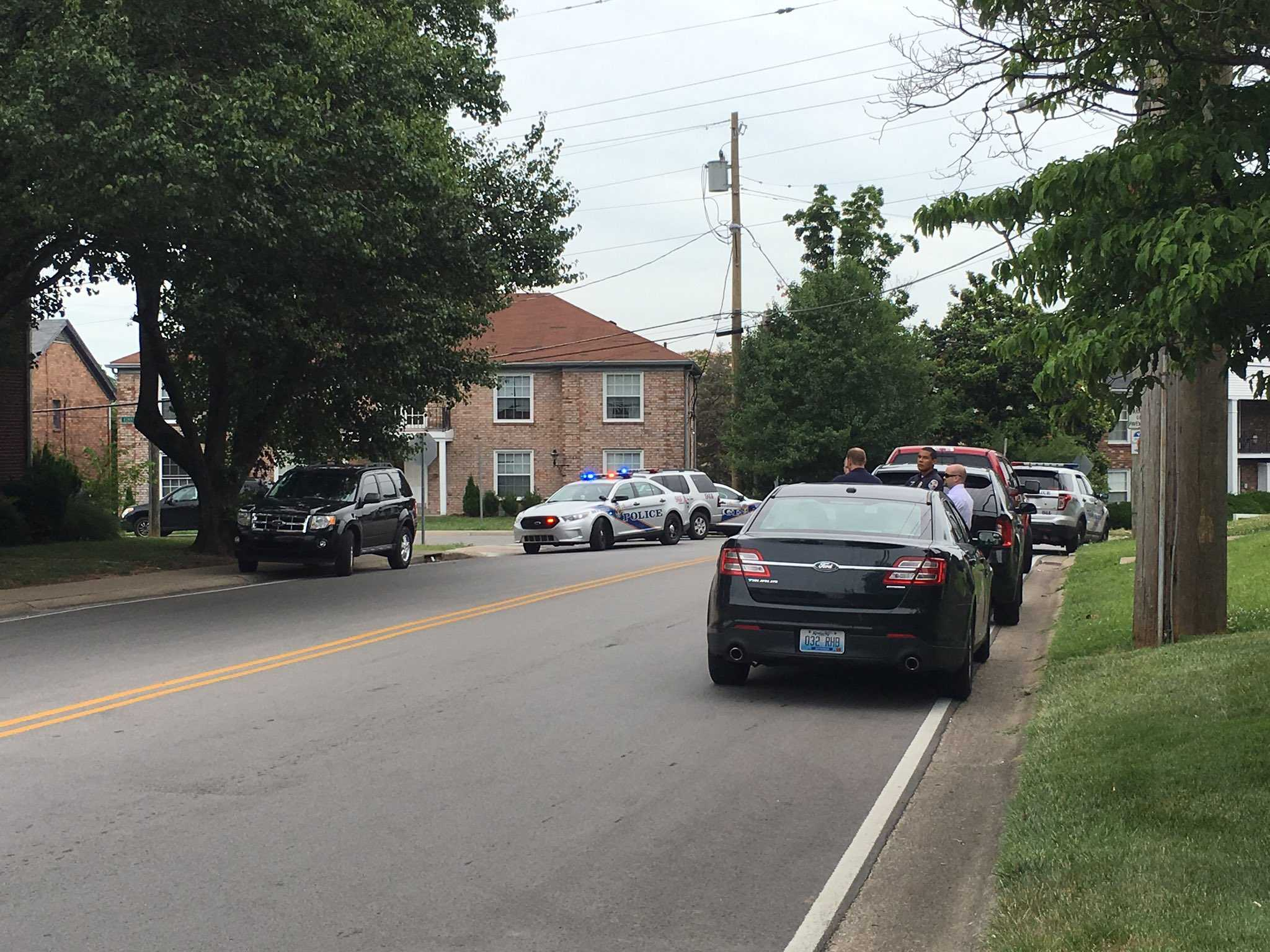 Suspect in custody after late night shooting of LMPD officer