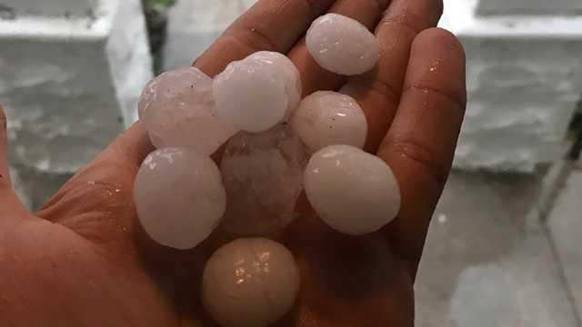 hail in Overlea