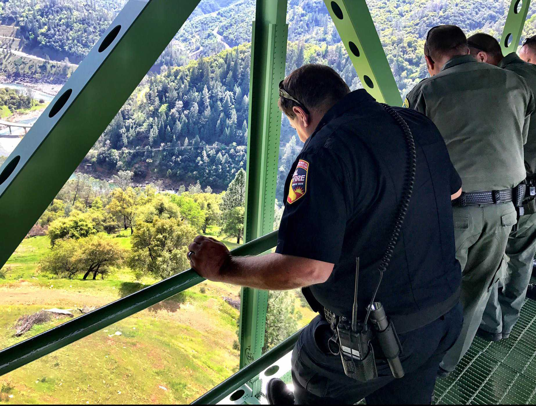 California woman falls off 730ft bridge while taking selfie